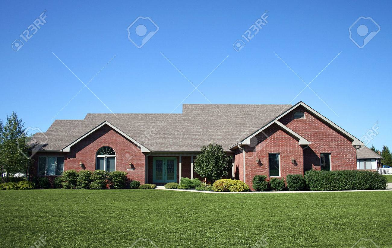 Newer brick ranch in nice suburb. Stock Photo - 1694275