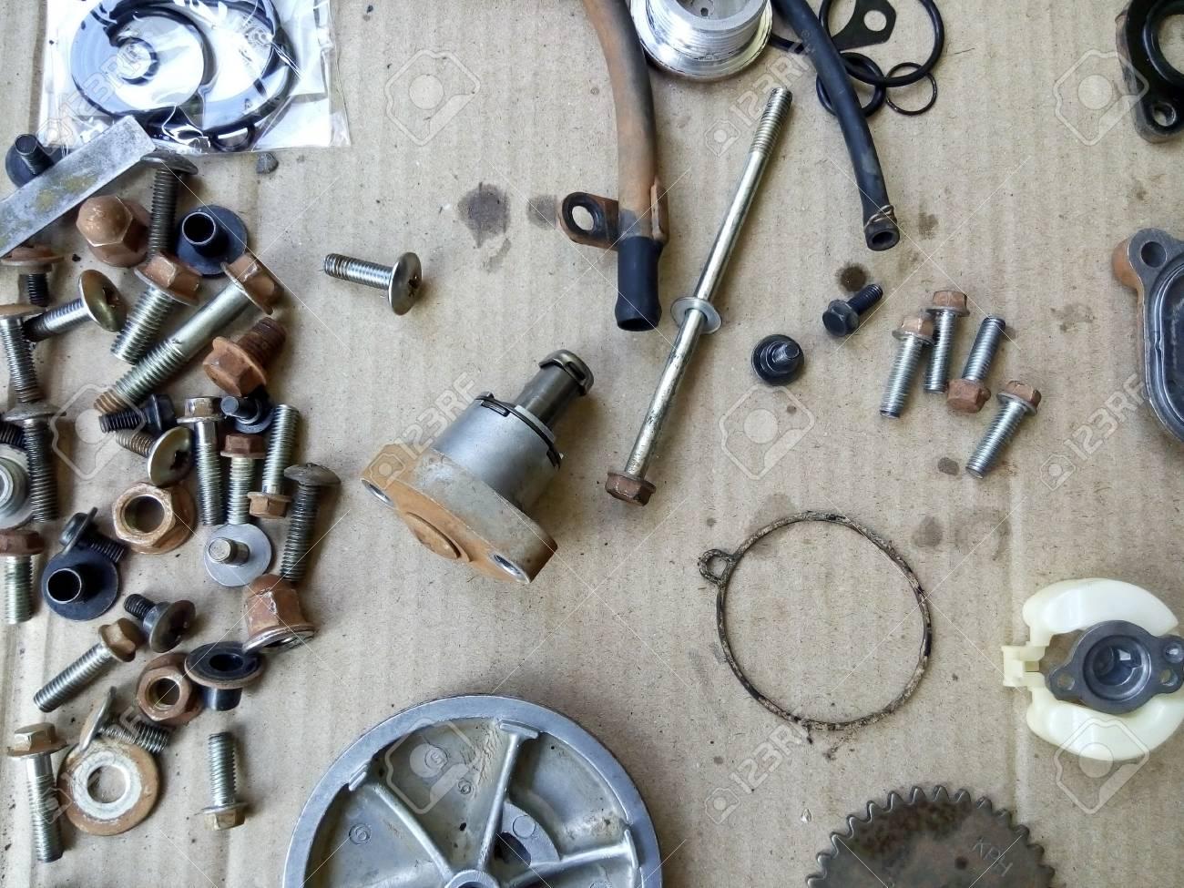 Tolle Teile Eines Automotordiagramms Fotos - Schaltplan Serie ...