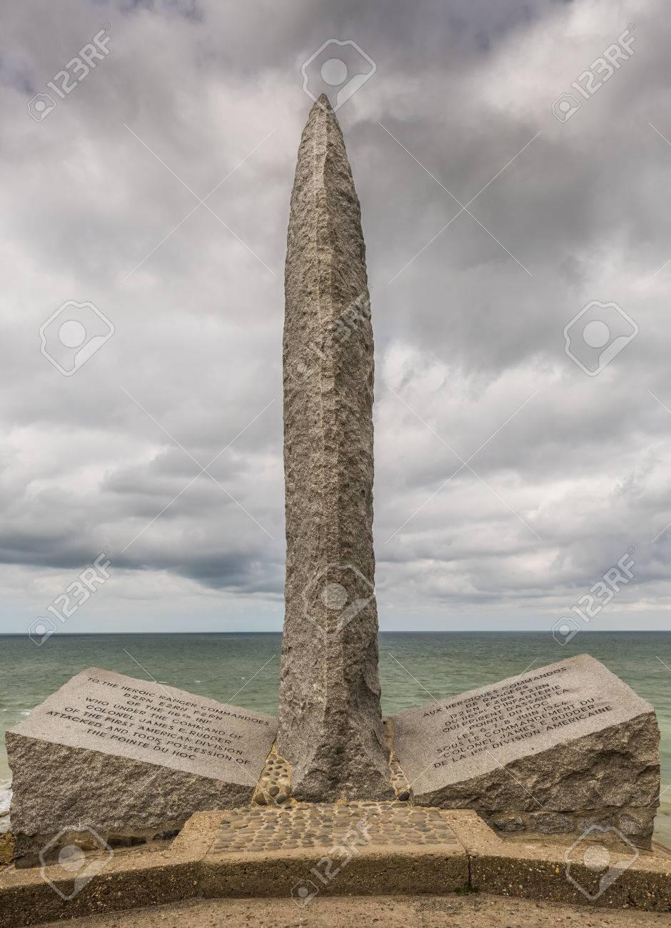 Ein Denkmal Für Die Amerikaner, Die Während Des 2. Weltkrieges An ...