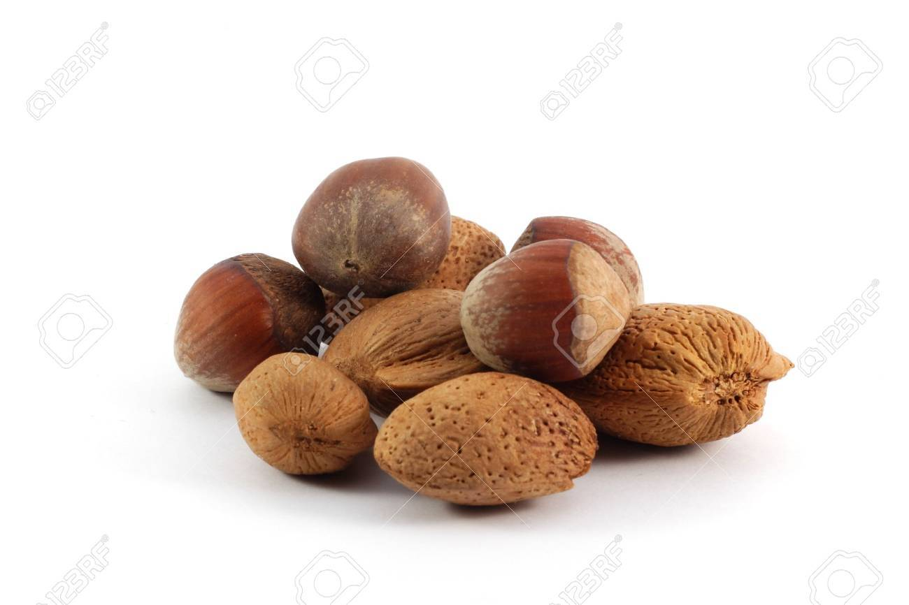 Assorted nuts, isolated on white background Stock Photo - 6734188