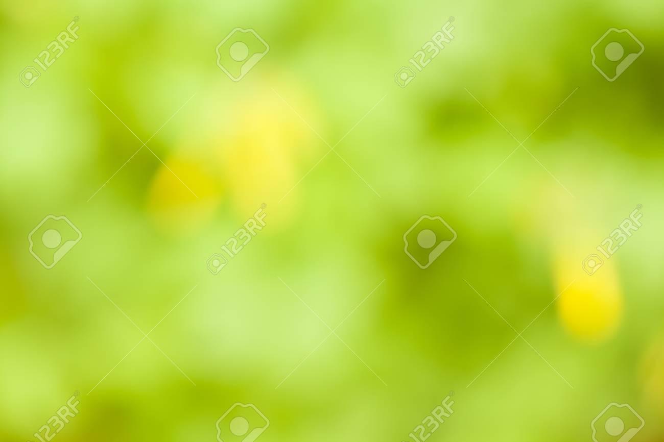 Immagini Stock Fotografia Sfocata Di Uno Sfondo Verde E Giallo