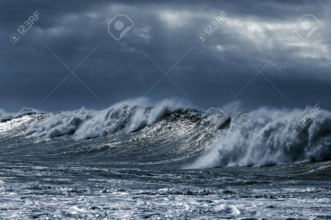 Big stormy waves aproaching the portuguese coast. Toned blue - 47656175