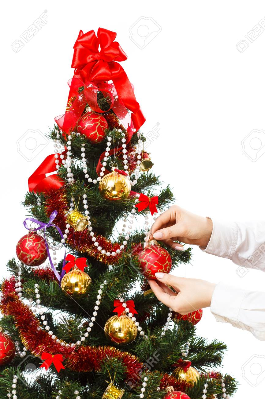 Decorar El Arbol Con Cintas.Decorar El Arbol De Navidad Con Bolas Cintas Y Esas Cosas Aisladas Sobre Fondo Blanco