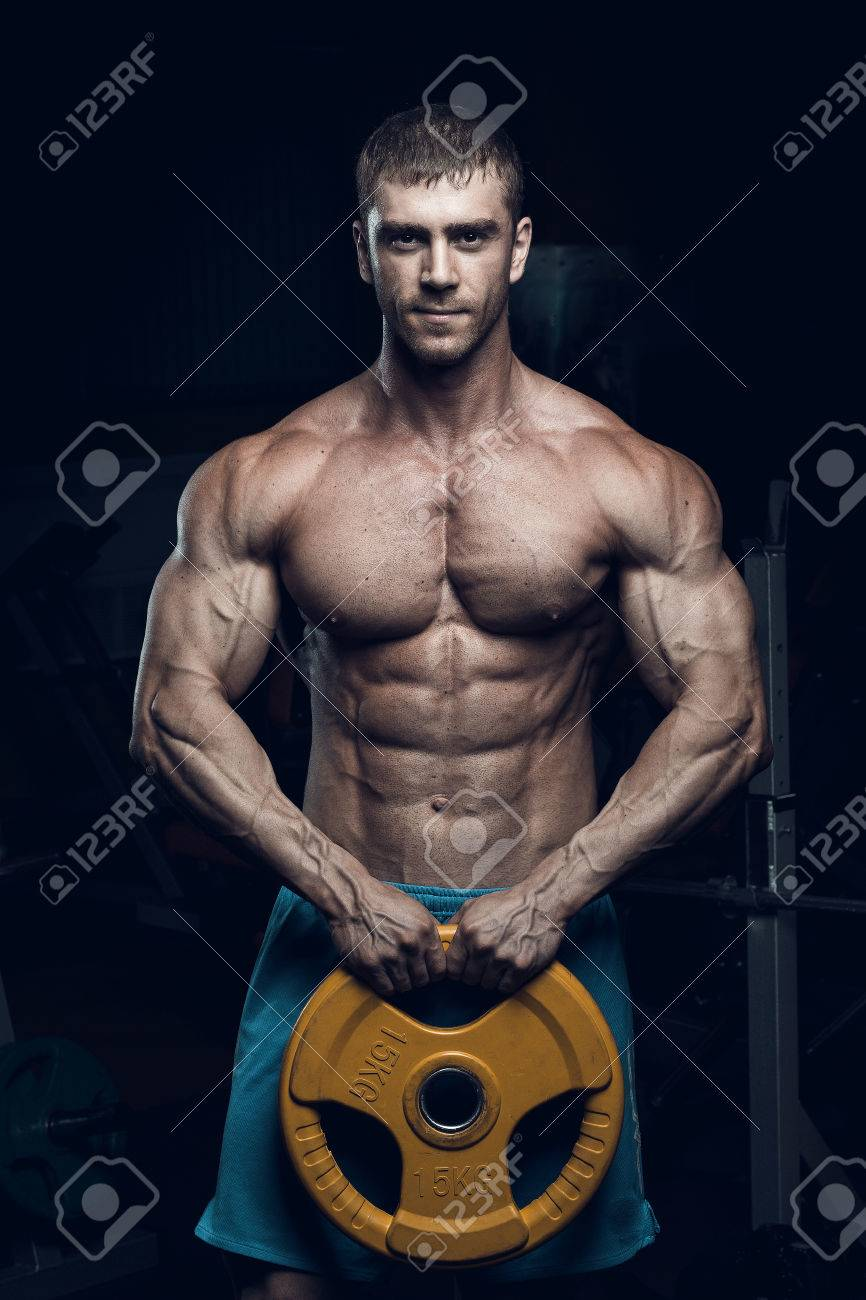 online store 12e4c 52211 Male bodybuilder, fitness model trains in the gym