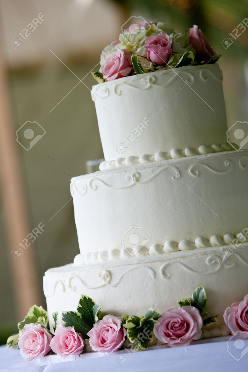 Weiss Multi Level Hochzeitstorte Mit Rosa Blumen Dekorationen