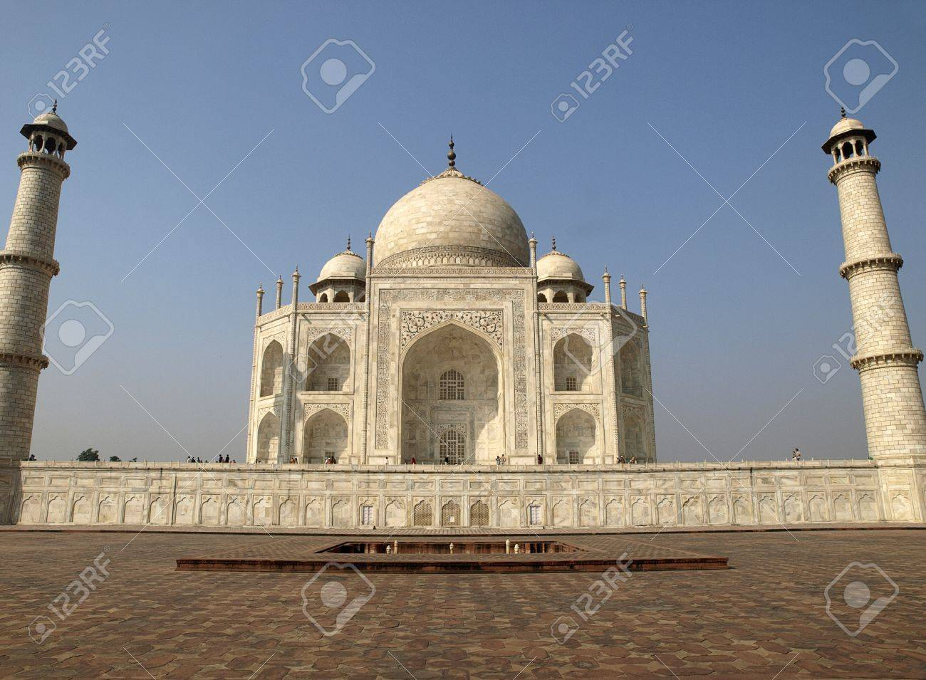 Beautiful Taj Mahal seen from the east side Stock Photo - 13629318