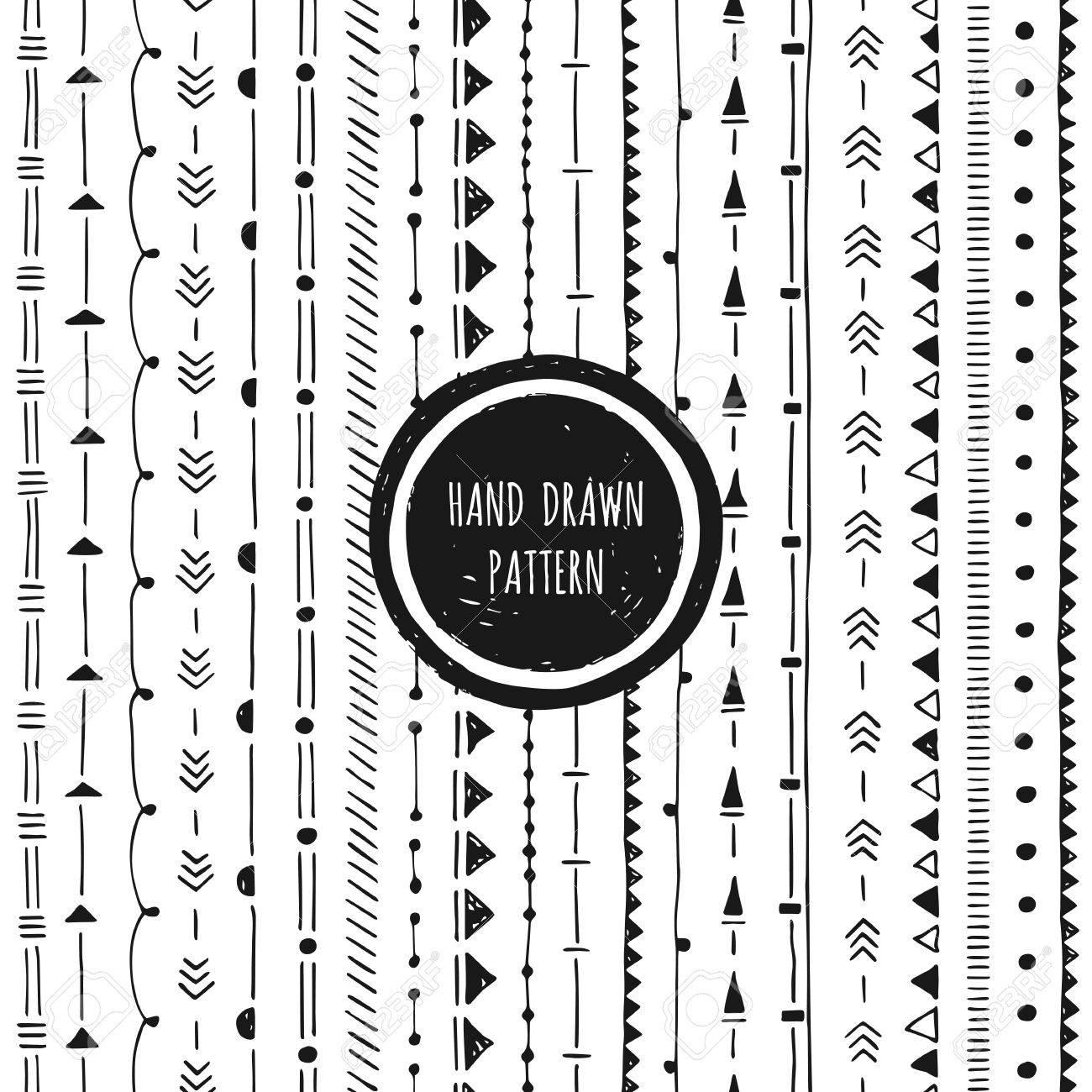 Black and white geometric pattern. Hand drawn seamless background. Round frame. - 62855051