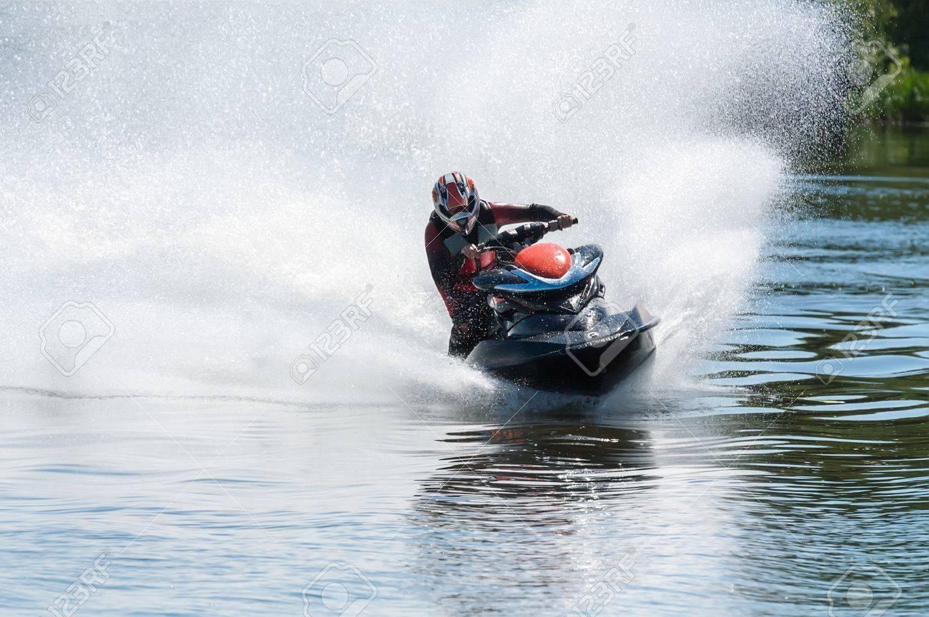 バイク 水上