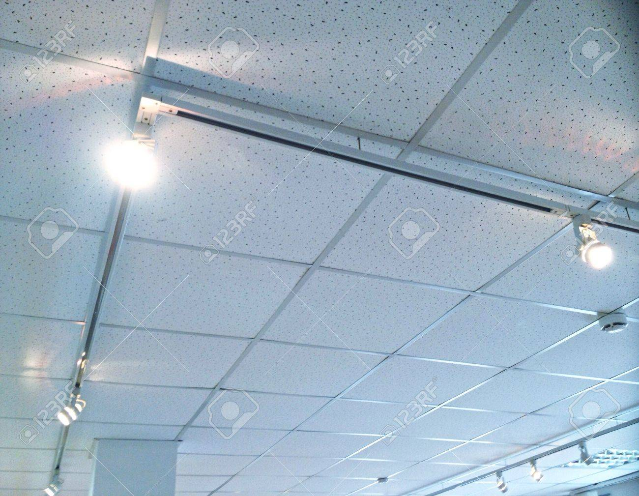 Accent lighting recessed white track on ceiling above contemporary art exhibition Stock Photo - 29776573 & Accent Lighting Recessed White Track On Ceiling Above Contemporary ...