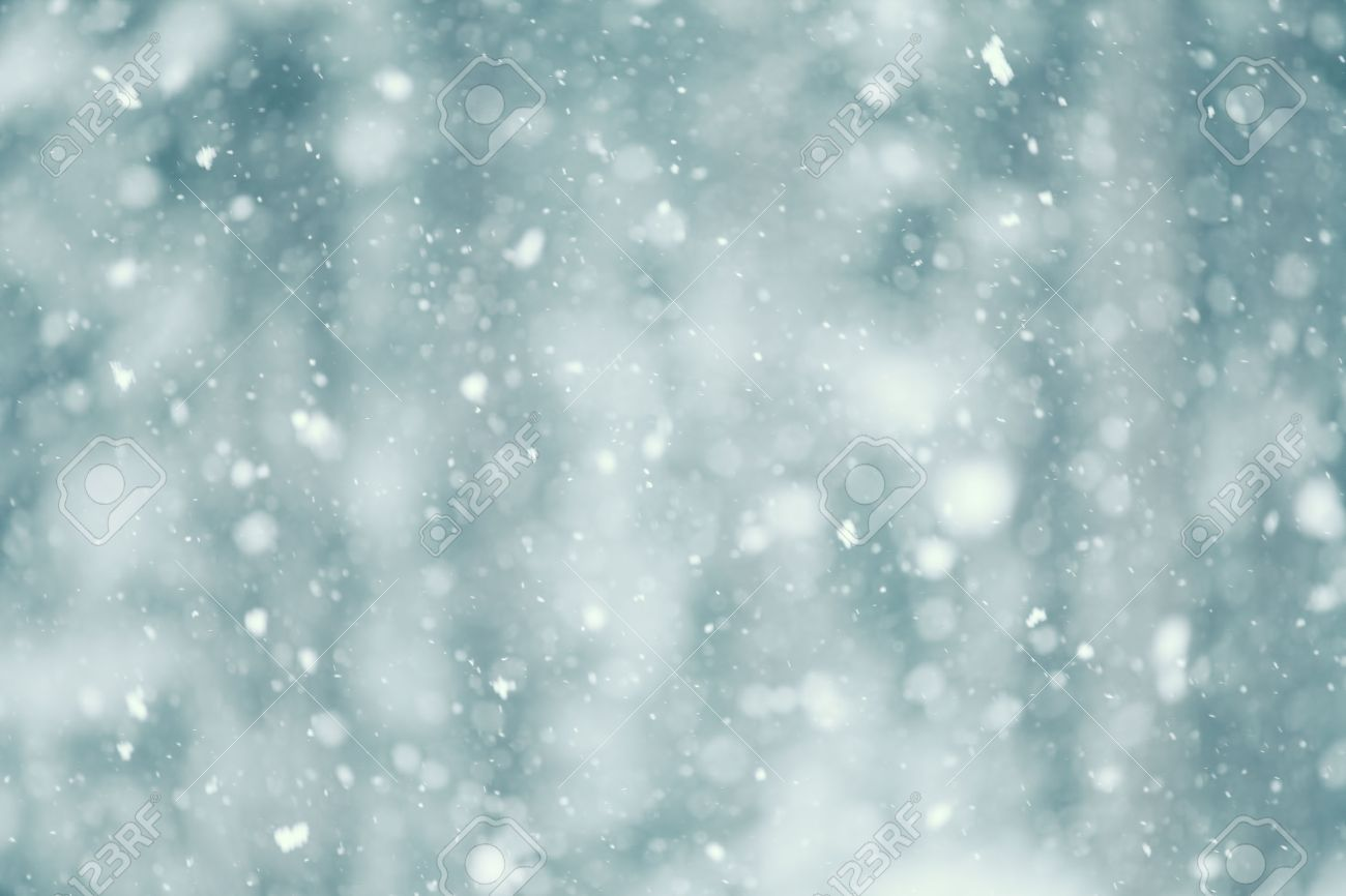 Snow falling abstract with a shallow depth of field for a dreamy look. Stock Photo - 37626121