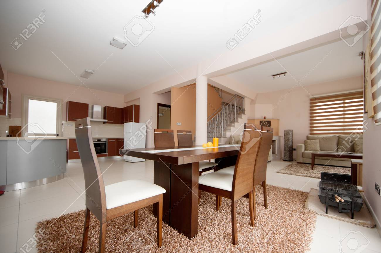 Braun Und Weiß Esszimmer, Küche Und Wohnzimmer Standard Bild   36915843