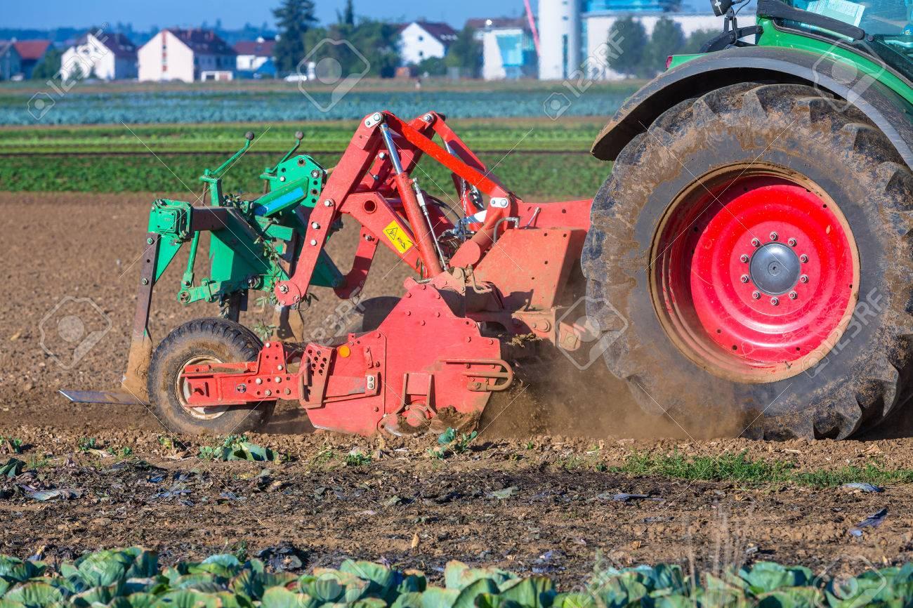 Traktor Detail Den Boden Zu Frasen Lizenzfreie Fotos Bilder Und