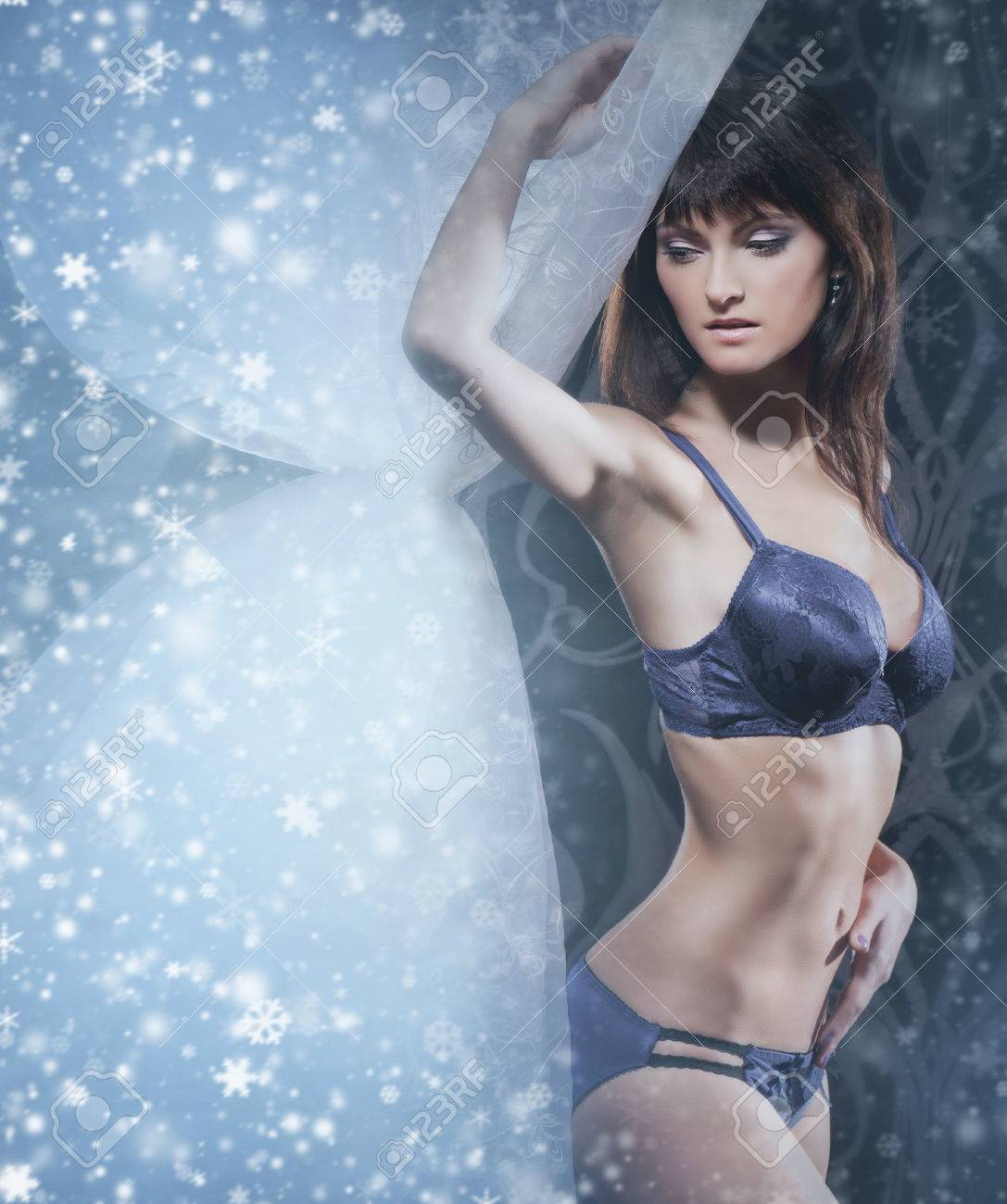 Mystique Femme Fond Sur Le Jeune Mode Sexy En Lingerie Shooting Noël De 8knw0OXP