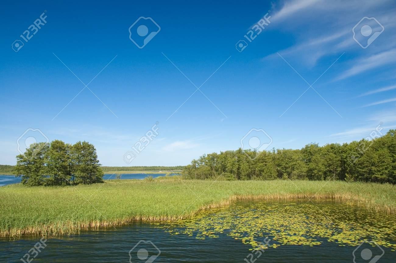Beautiful view of the lake Stock Photo - 15010116