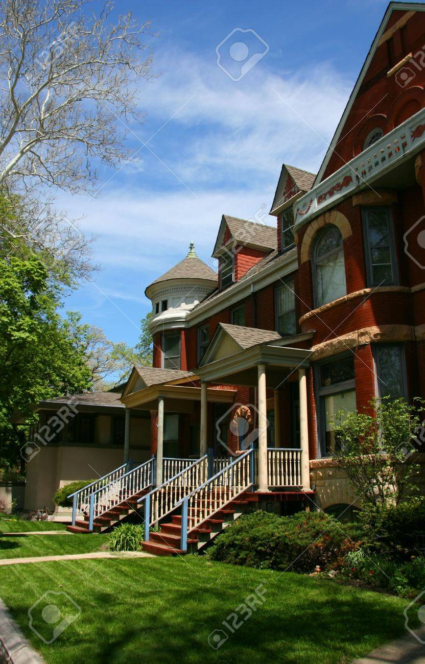 Red brick houses in Oak Park, Chicago, Illinois Stock Photo - 1327775