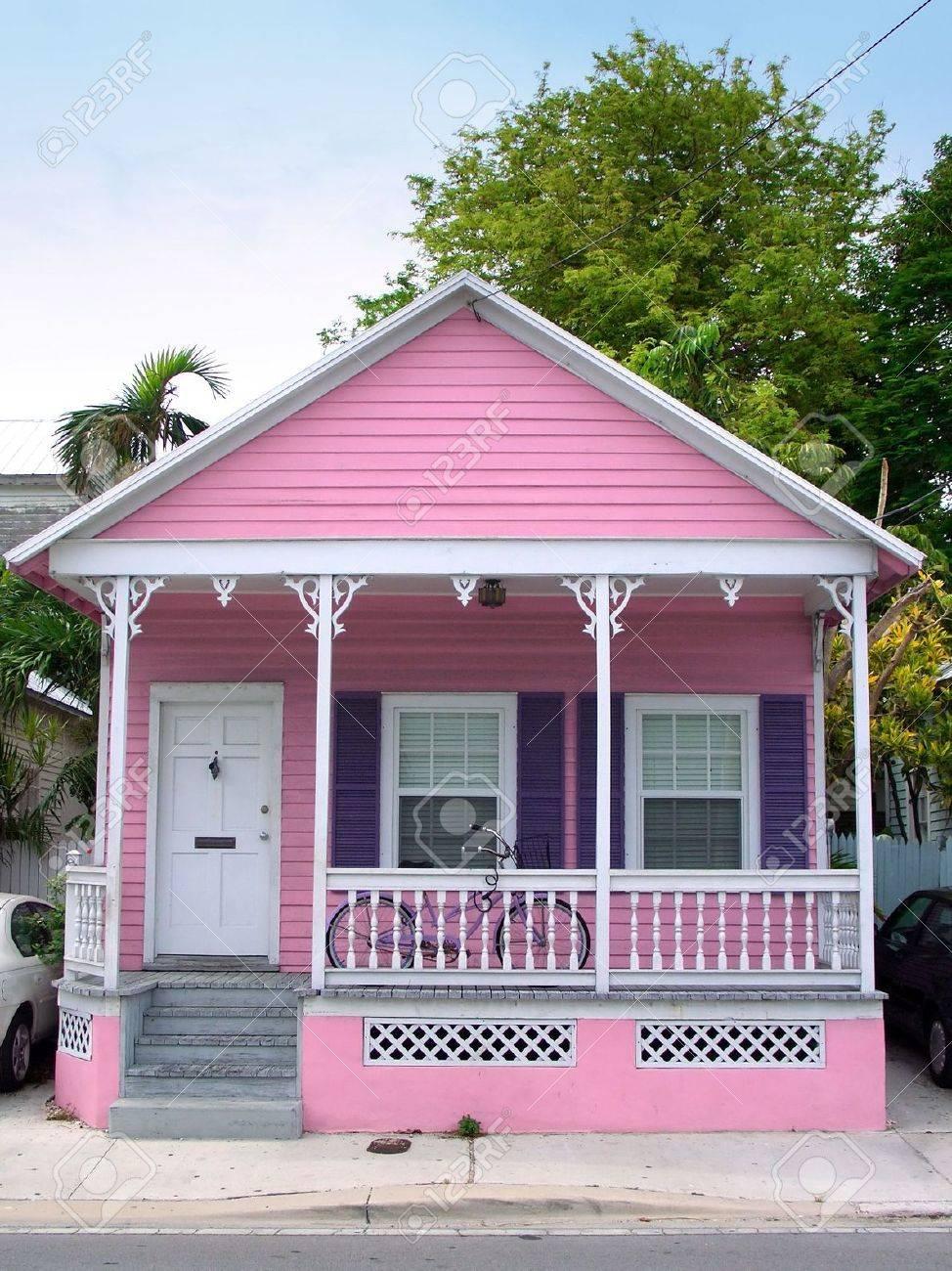 Pequeña Casa De Madera De Color Rosa En Key West, Florida Fotos ...
