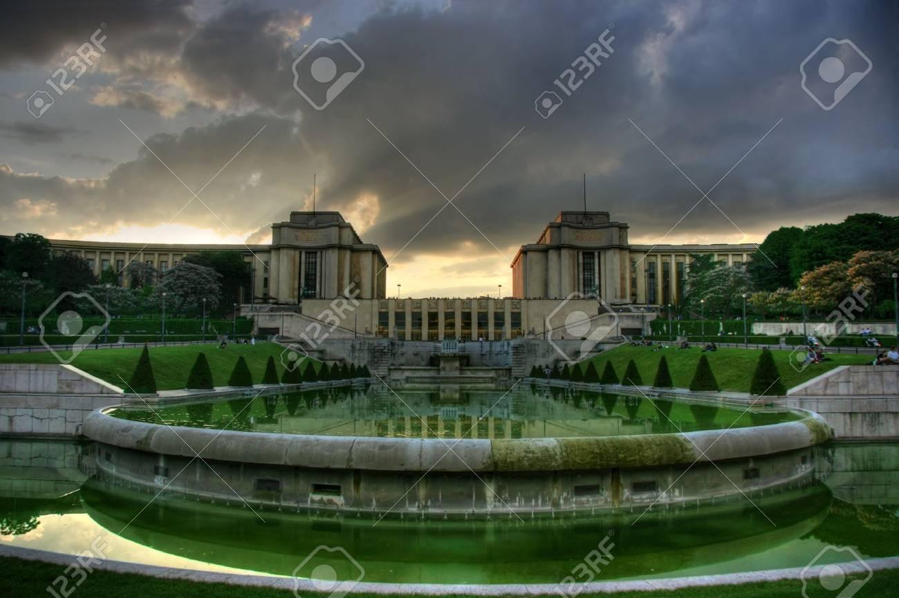 Paris, Trocadero beim Sonnenuntergang. HDR-Bild. Standard-Bild - 3442988