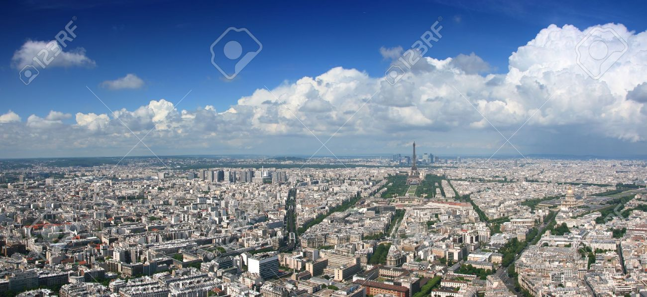 Paris aerial panoramic view from Montparnasse tower over Champs de Mars and Eiffel tower. Standard-Bild - 3612029
