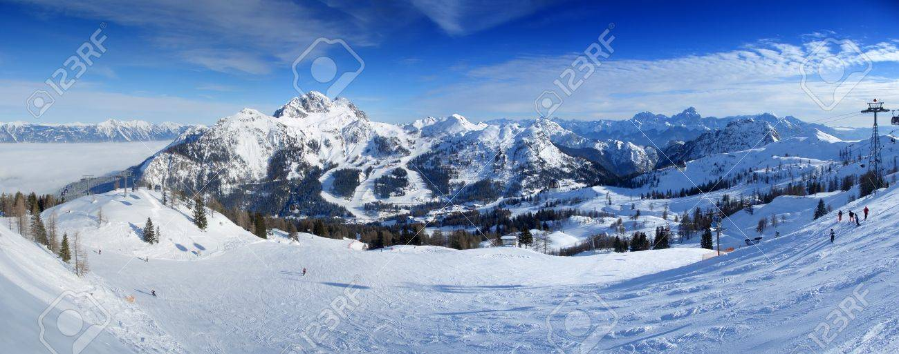 Panoramic view from the top of Nassfeld ski resort on the border between Italy and Austria Standard-Bild - 4460198