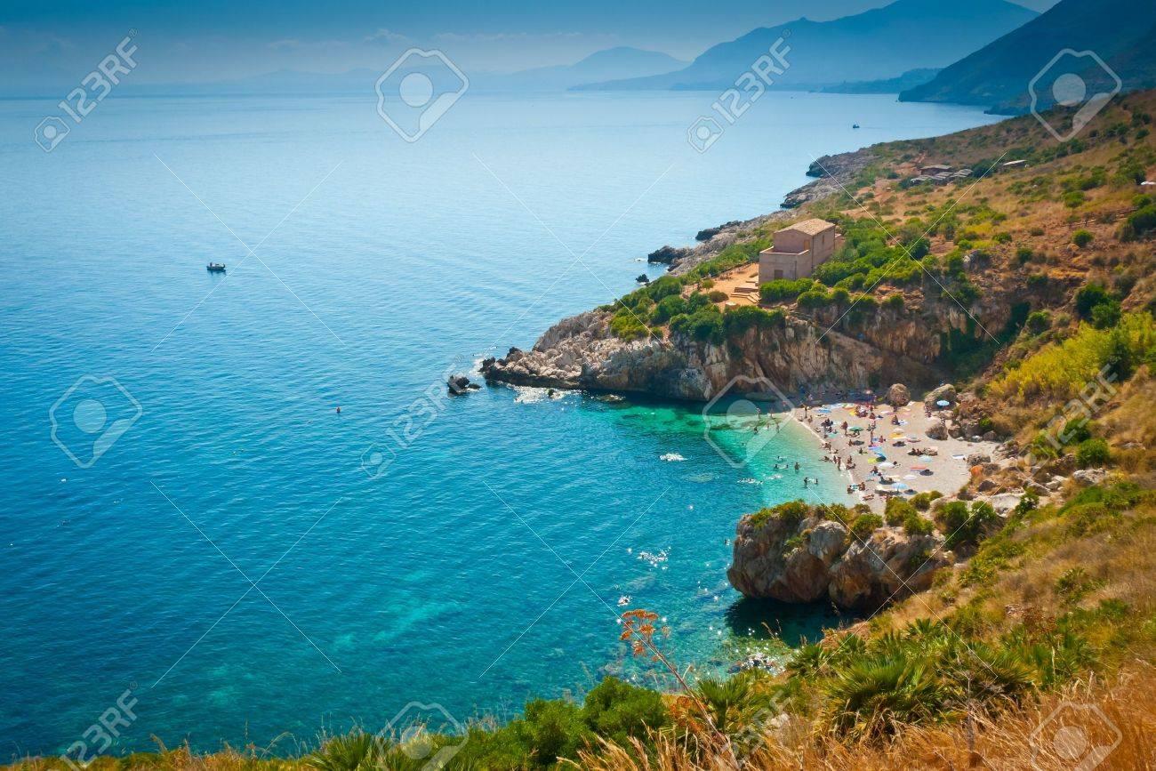 Ein Remote-Strand in Zingaro Naturschutzgebiet, Sizilien, Italien Standard-Bild - 18823446