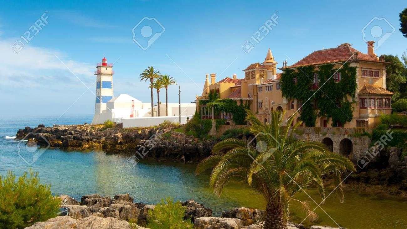 Santa Marta Leuchtturm und Stadtmuseum, Cascais, Lissabon, Portugal Standard-Bild - 34082918