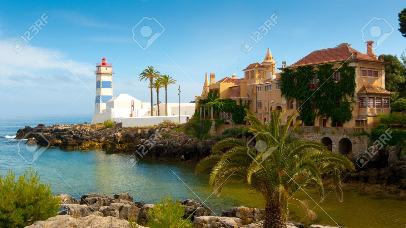 Santa Marta lighthouse and Municipal museum, Cascais, Lisbon, Portugal Standard-Bild - 34082918
