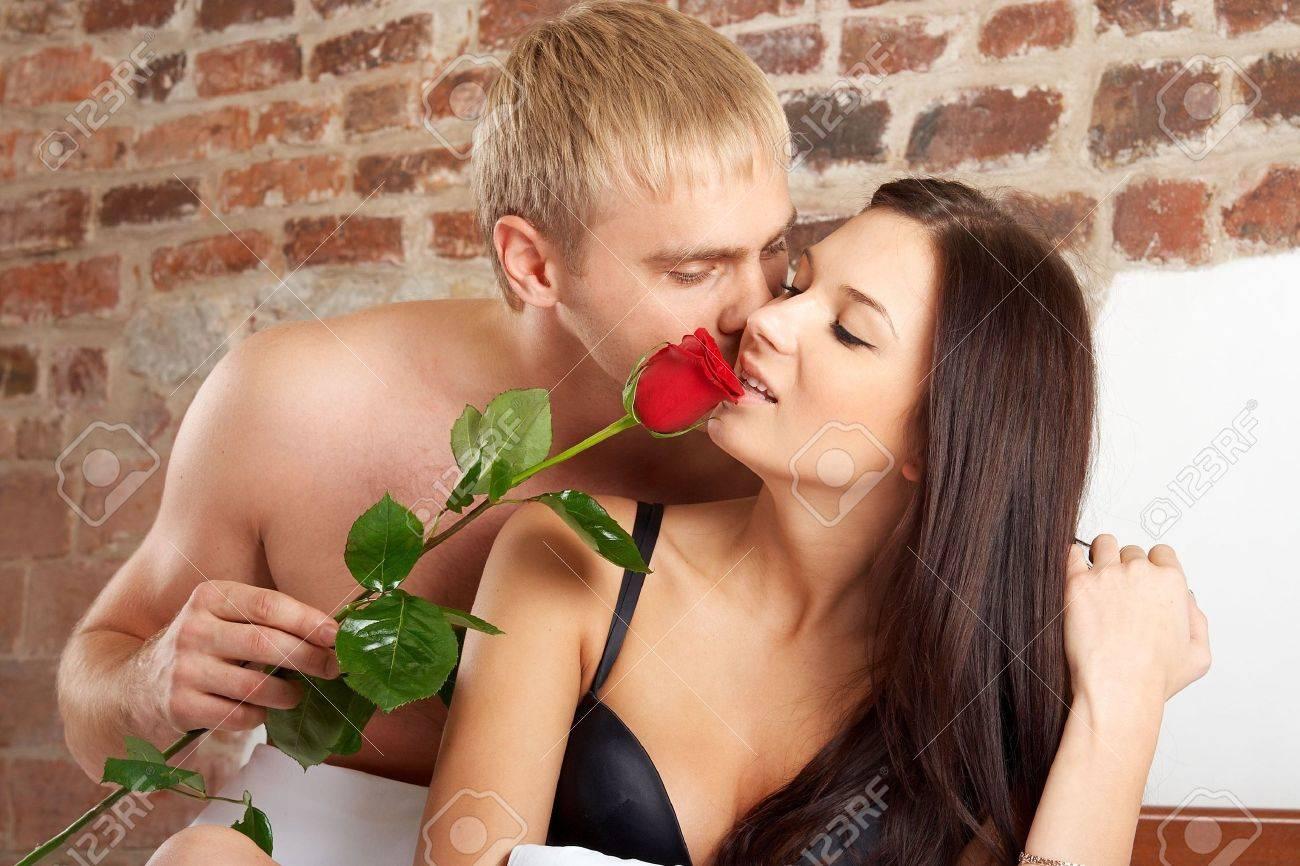 дома голые муж и жена видео