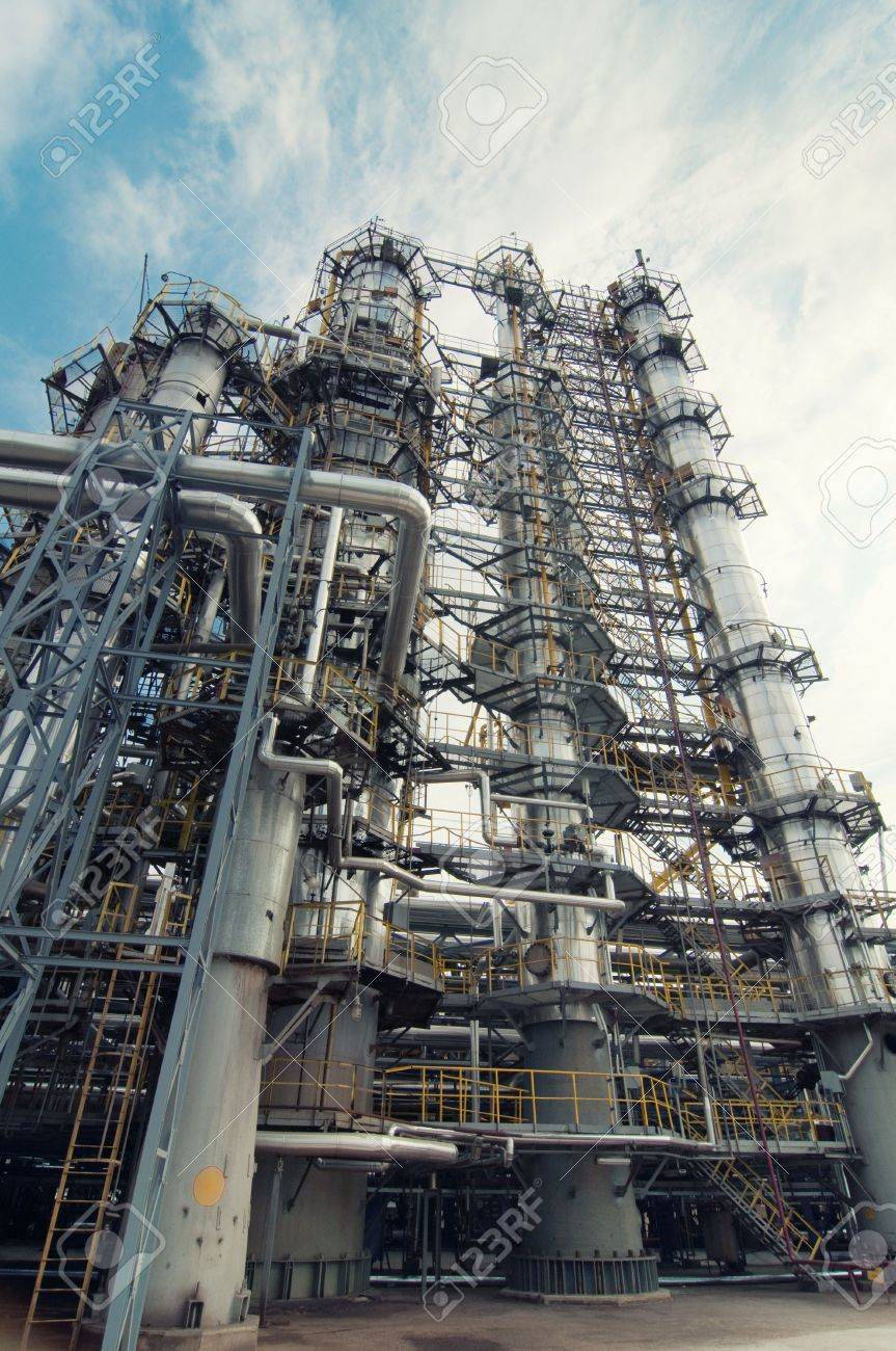 oil refinery Stock Photo - 5775470