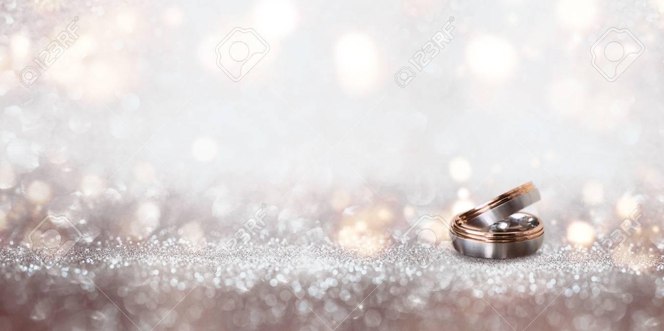 Abstrakt Silber Glitter Bokeh Hintergrund Mit Hochzeit Ringe Fur