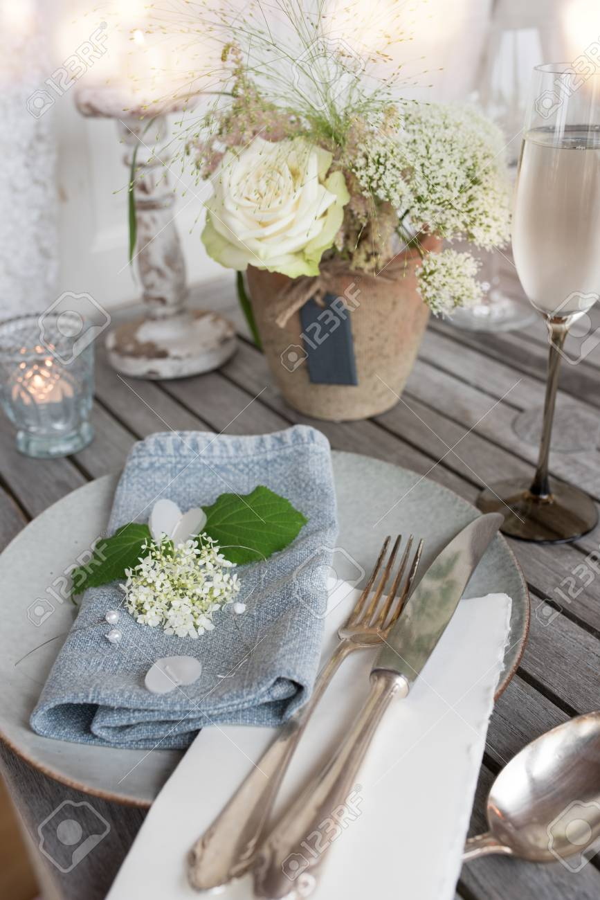 Festive Table Decoration In Vintage Style For A Romantic Wedding