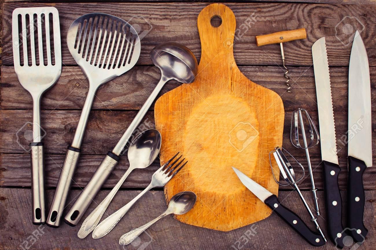 Küchenutensilien Auf Holzuntergrund. Getönten Bild. Lizenzfreie ...