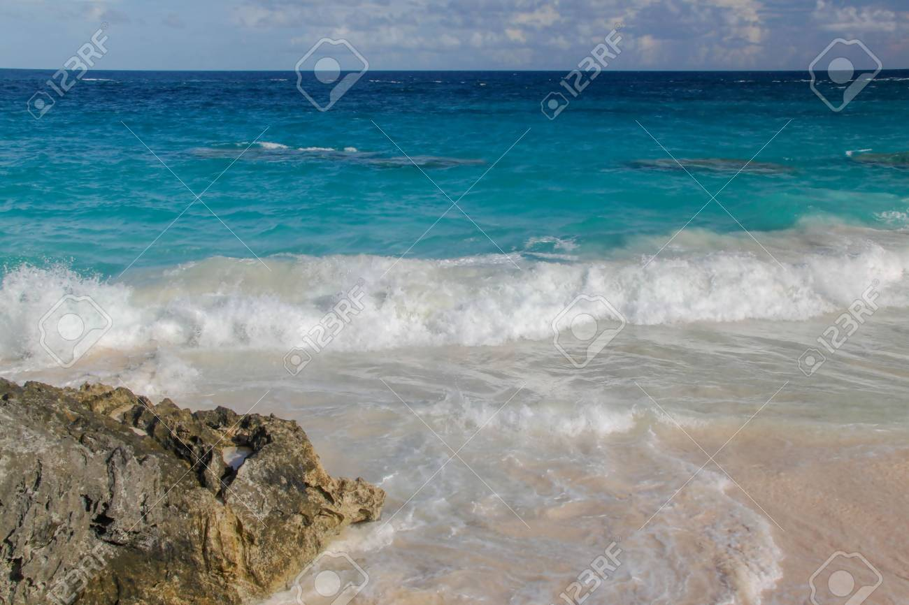 Blue The Ocean View Of Water Turquoise BeachBeautiful Background Atlantic And Bermuda SkyFantastic On FKl1Jc