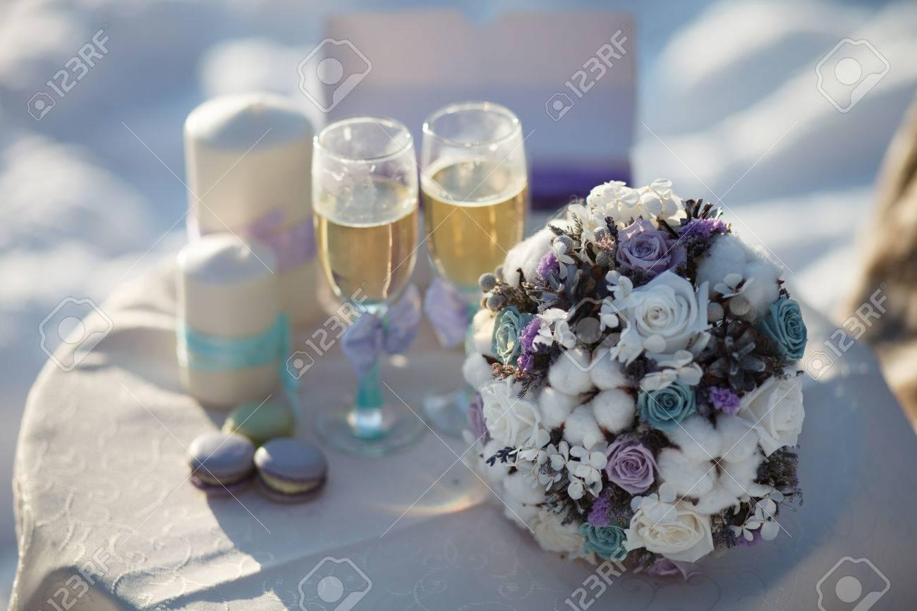 Winter Hochzeit Bouquet Hochzeit Blumenstrauss Auf Einem Stuhl In