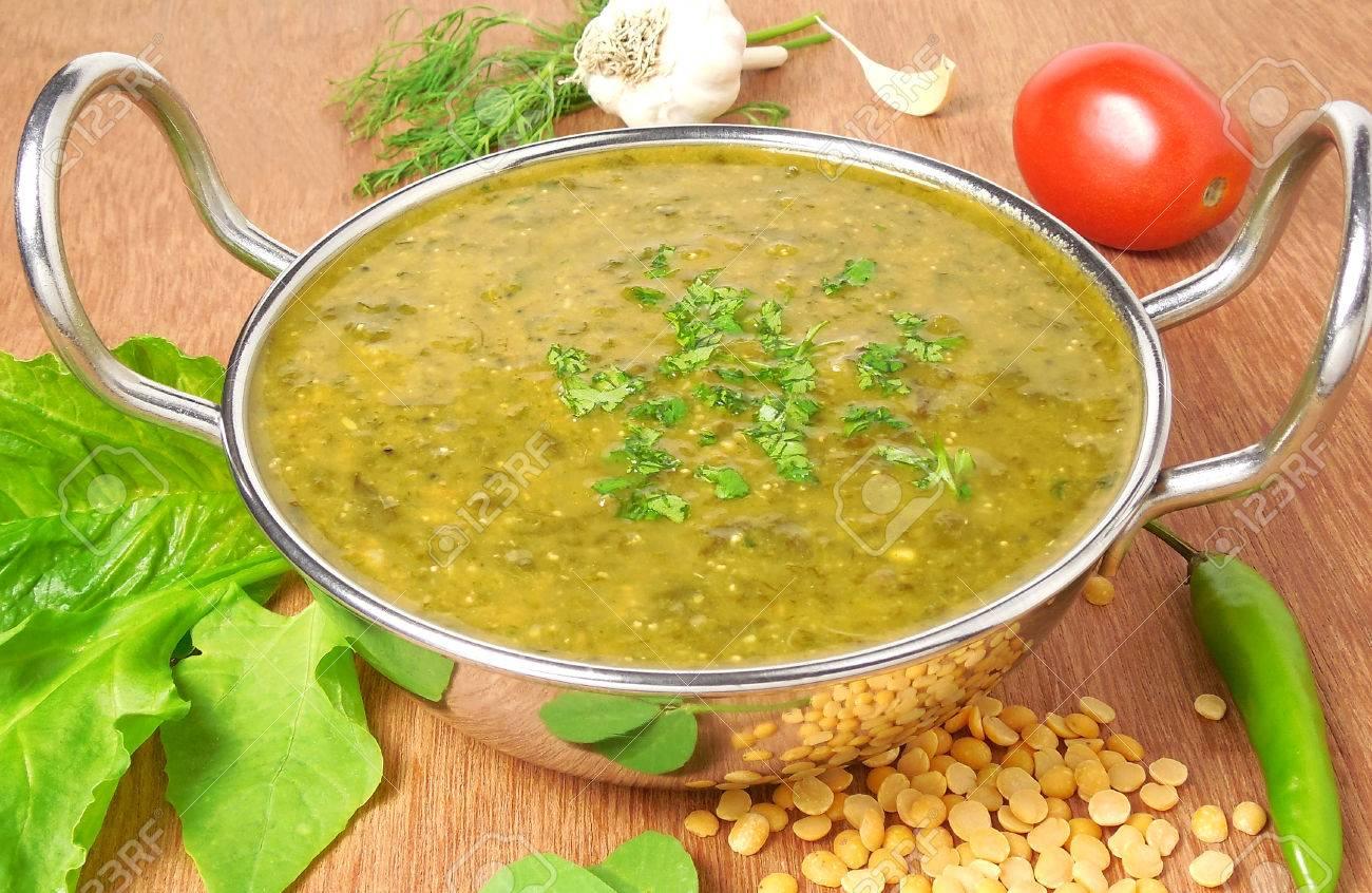 Indische Vegetarische Kost, Palak Sambar Oder Curry, Die Eine ...