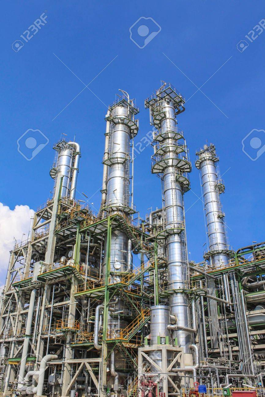 Structure of Oil and chemical factory in day time - 16149763