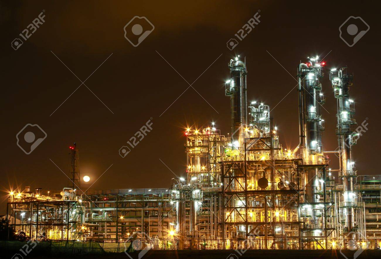 Night scene of chemical plant , Eastern of Thailand - 16348829