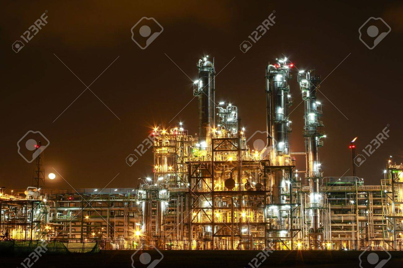 Night scene of chemical plant , Eastern of Thailand - 16348831