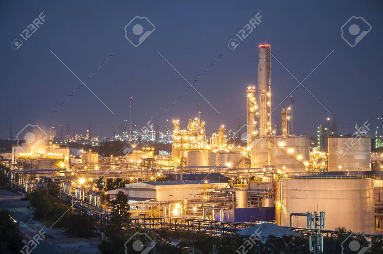 Night scene of chemical plant , Eastern of Thailand - 18002856