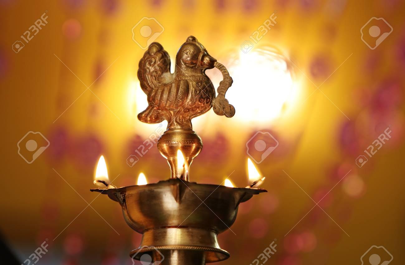 Lampe A Huile Traditionnelle Indienne Avec Flamme Banque D Images Et