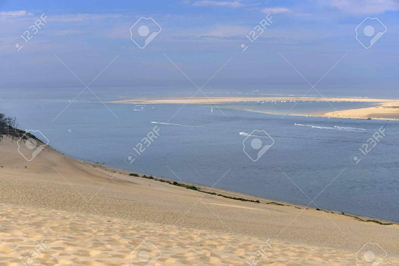 Banc Darguin Vu De La Célèbre Dune Du Pilat Situé à La Teste De