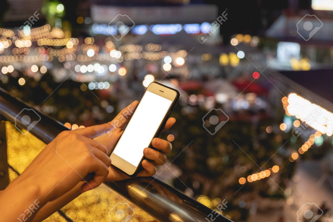 Woman used smartphone, mock up empty on screen - 122663078
