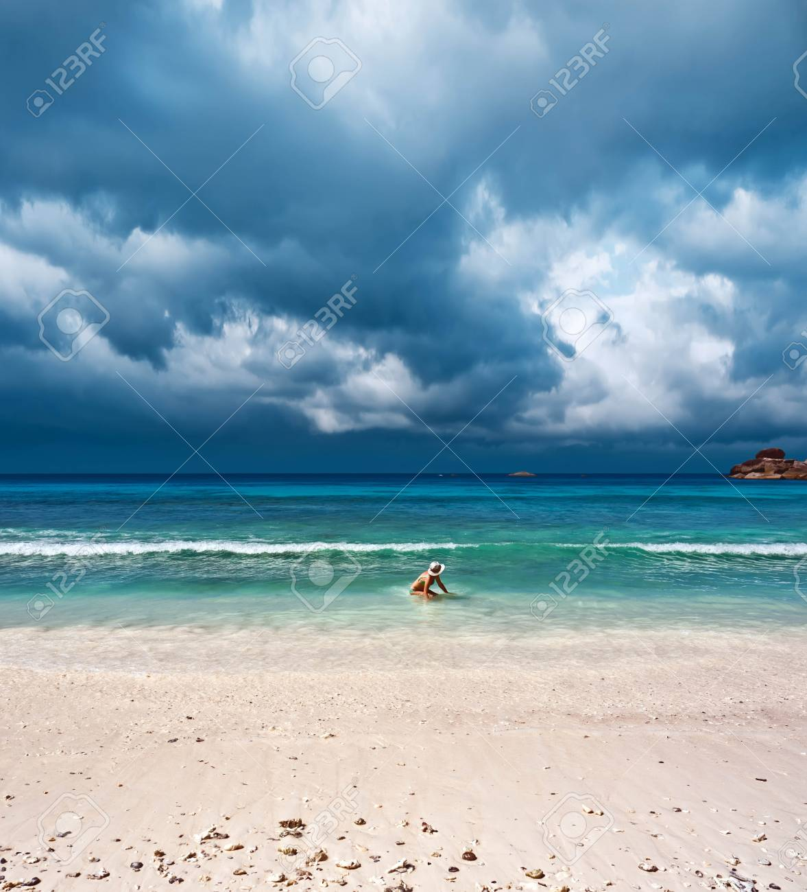 Sea before the storm Stock Photo - 12766277