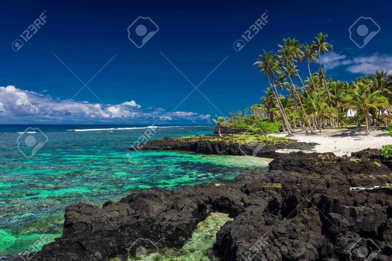 ウポル、サモア諸島の南側の珊瑚...