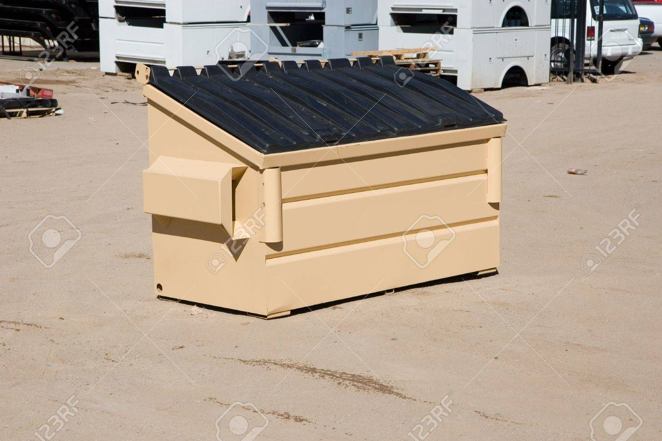 工業建設ヤードの 2 立方ヤード ゴミ箱 の写真素材・画像素材 Image ...