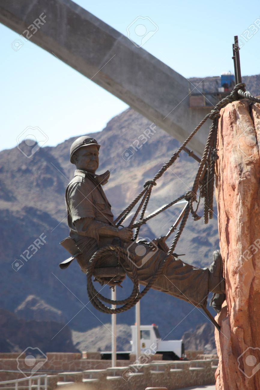 A statue honoring the men who built Hoover Dam. Stock Photo - 15134259