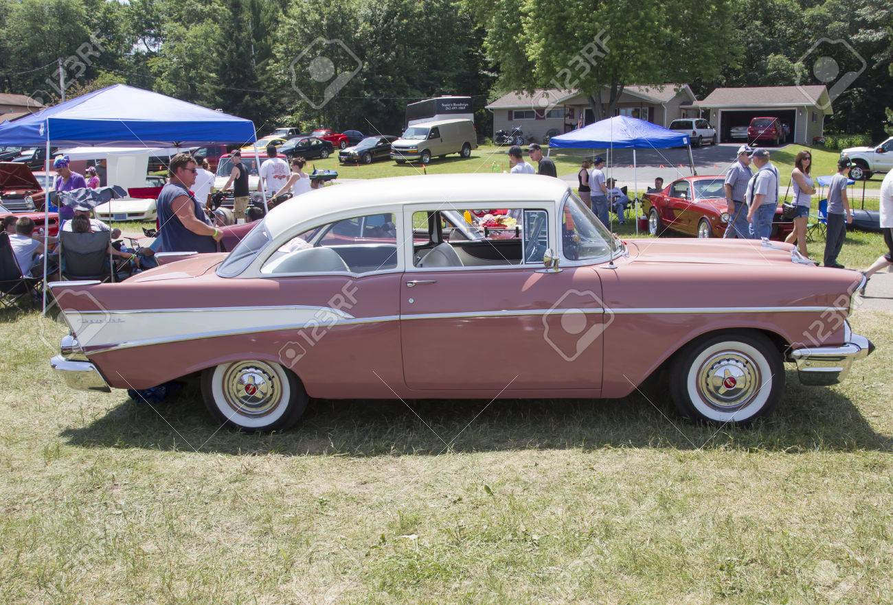 Bel Air Car >> Iola Wi July 13 Side Of 1957 Pink Chevy Bel Air Car At Iola