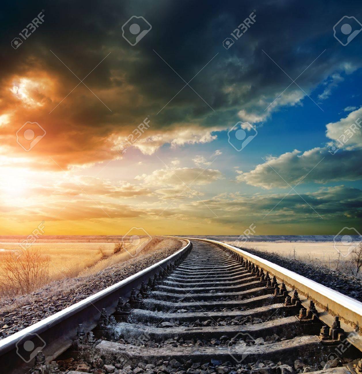 railway to horizon - 9223426