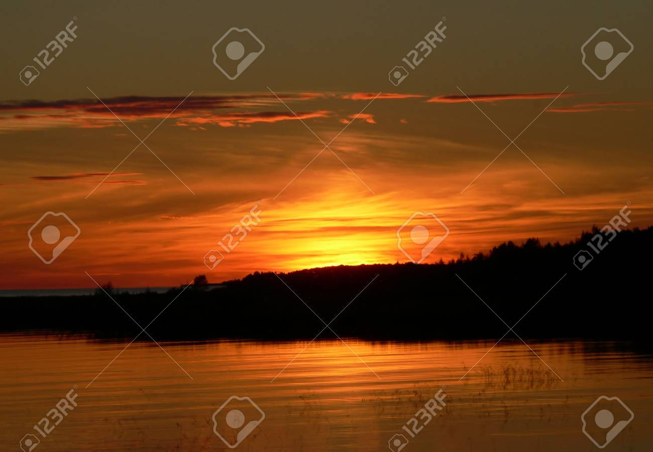 A sunset on the lake. Stock Photo - 3634071