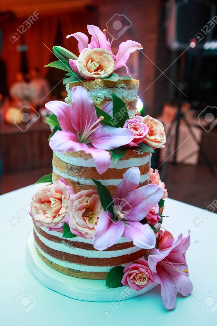 Grosse Hochzeit Rustikalen Kuchen Mit Echten Naturlichen Lebenden