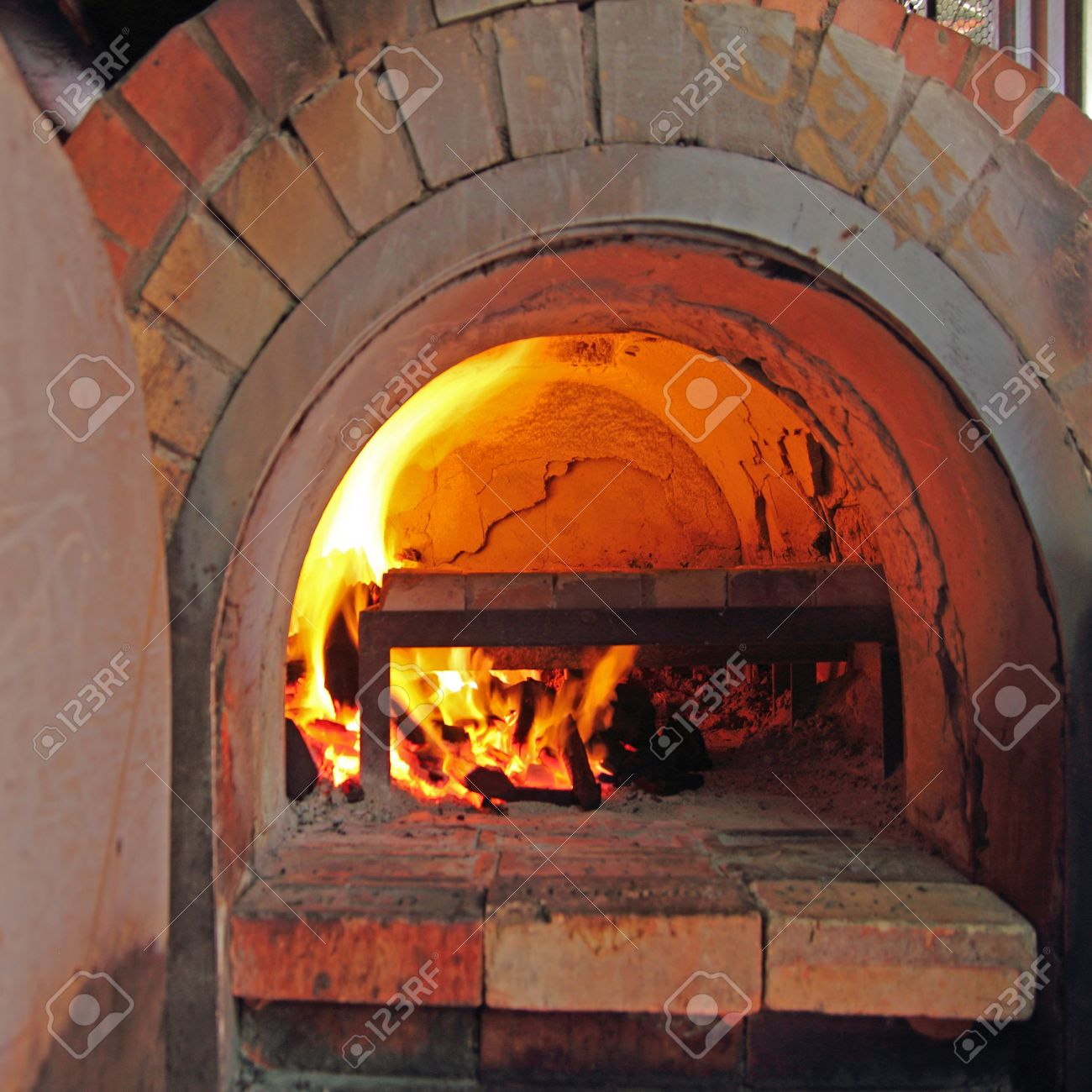brick oven for cooking and baking food Stock Photo - 15641237